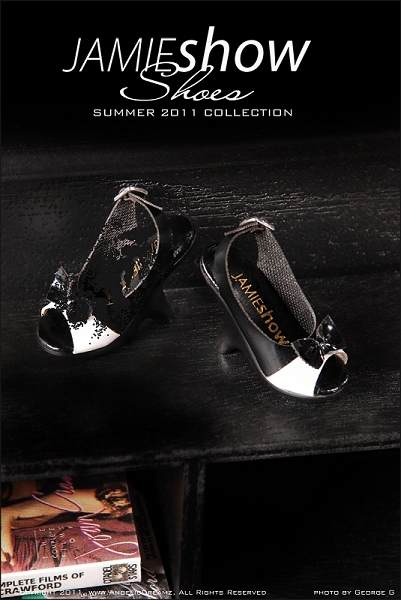 JAMIEshow Shoe Collection Black with White Open Toe Shoes (for 16