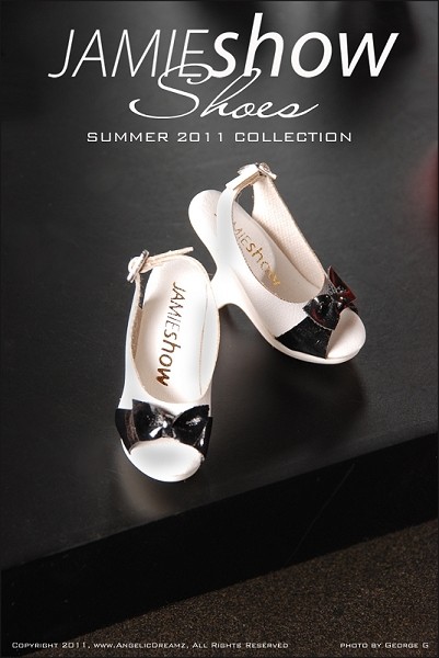 JAMIEshow Shoe Collection White with Black Open Toe Shoes (for 16