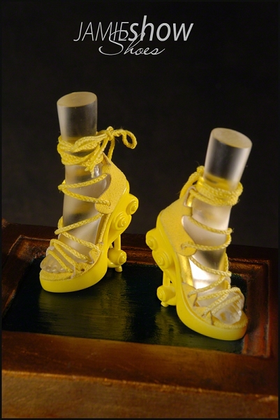 JAMIEshow, Studio J Collection, Yellow High Heel Musical Shoes