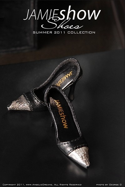 "JAMIEshow Shoe Collection Black Silver Tip Pumps (for 16"" Doll)"